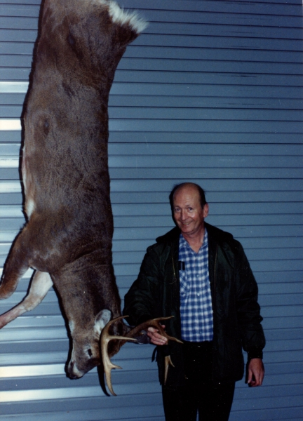 Ray with no-tail buck